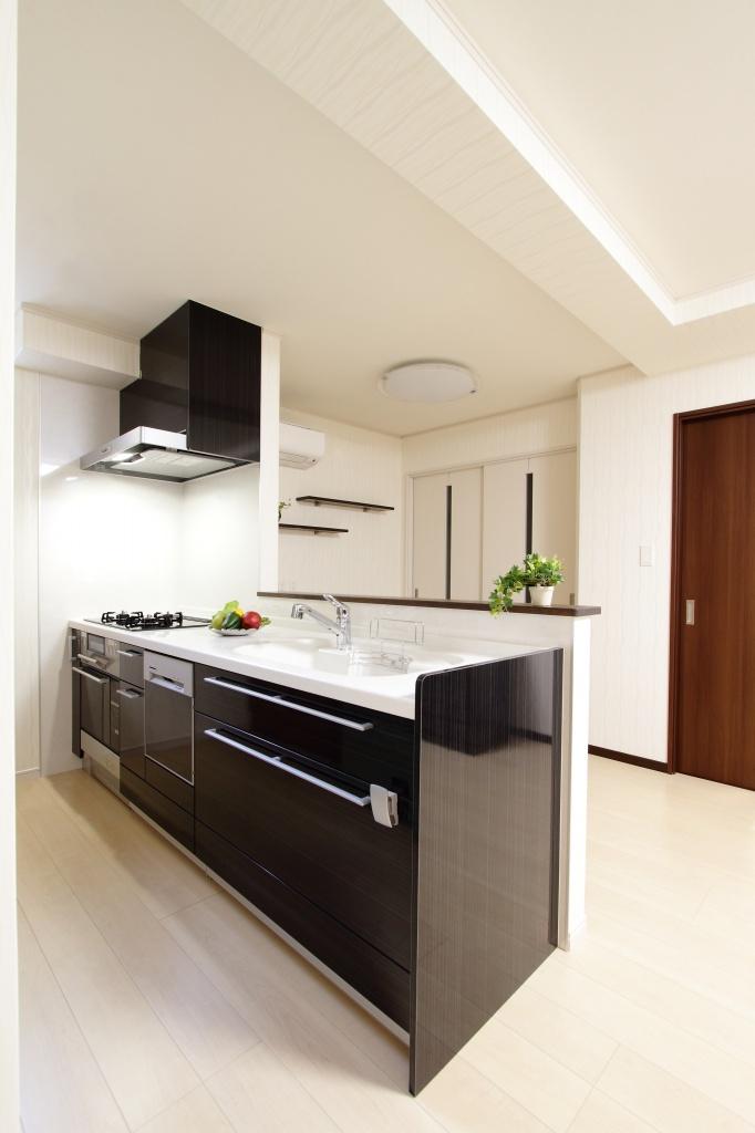 キッチン リクシル キッチン as : リビング横にある寝室。こちら ...