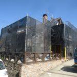 滋賀県大津市T様邸外壁張替え工事!杉板の鎧張りの外壁を金属サイディングに張替えします!大きなお家だから、メンテナンスフリーを目指して!