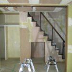 京都市北区K様邸内部改修工事、断熱材の施工が終わり、壁の下地、キッチン・お風呂の設置が進んでいます!